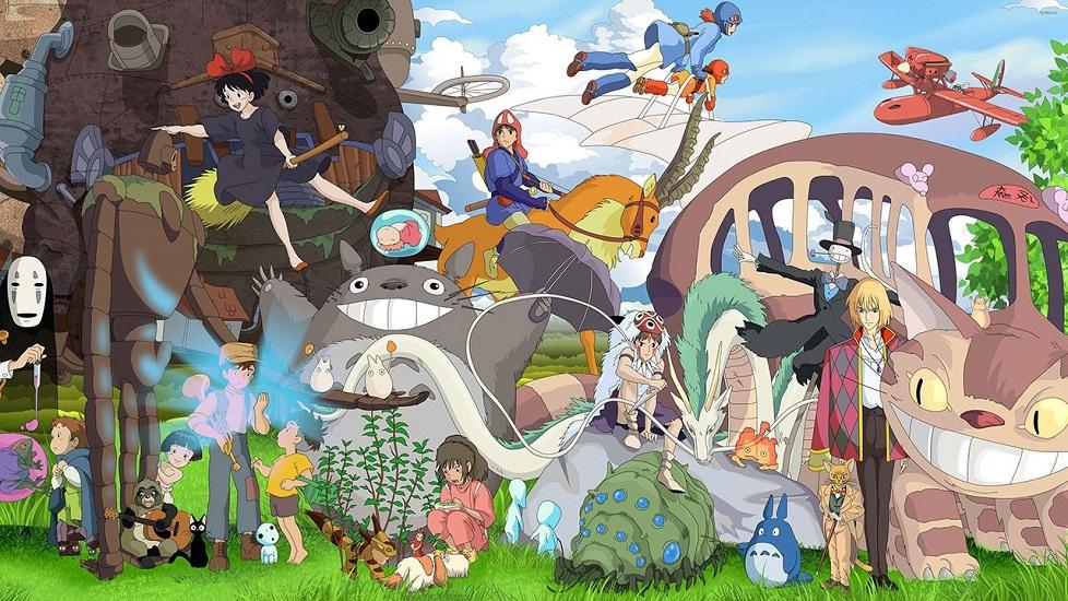 Curiosità sullo Studio Ghibli: L'immagine di copertina mostra i personaggi più famosi dei film dello Studio Ghibli, tutti insieme: Totoro, Nausicaa, la Principessa Mononoke, Kiki e molti altri. In questo articolo tratteremo 5 curiosità sullo Studio Ghibli che solo i veri esperti conoscono.