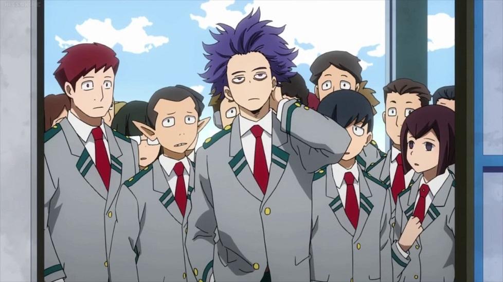 Hitoshi Shinso insieme ai suoi compagni: lui li precede indifferente, mentre gli altri lo guardano con un certo timore
